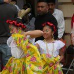 San-Cristobal-Maedchen-tanzen