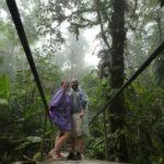 Monteverde-Nebelwald-Bruecke-Theresa-Manuel