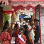 Toraja_Beerdigung_Einzug