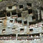 Toraja_Felsengrab_Balkon