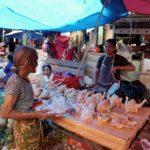 Toraja_Markt_Huehner