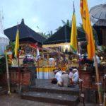 Bali_Ubud_Zeremonie_beten